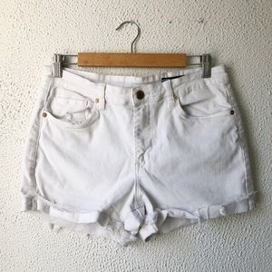 Blank NYC The Fulton Roll Up White Jean Shorts 29